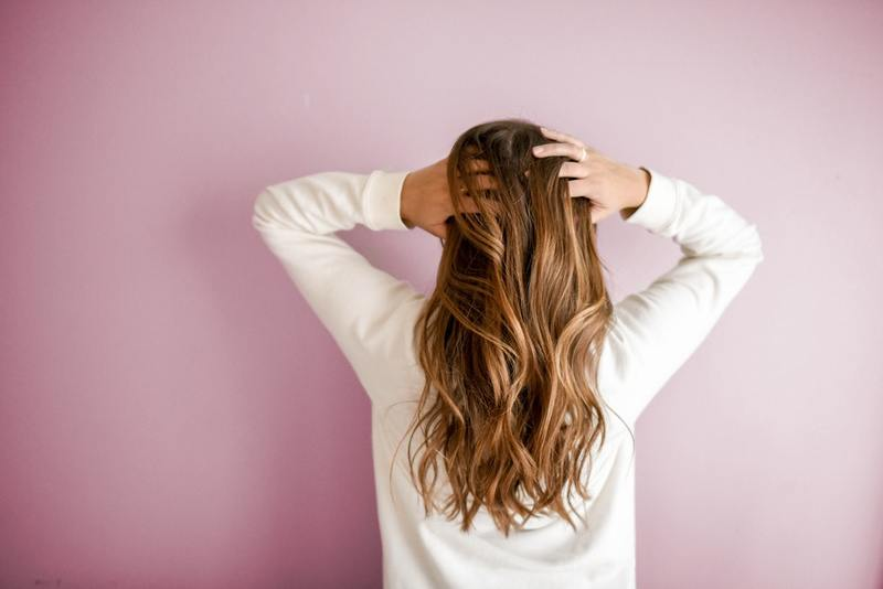 Split ends – the problem of most women. How to deal with them?