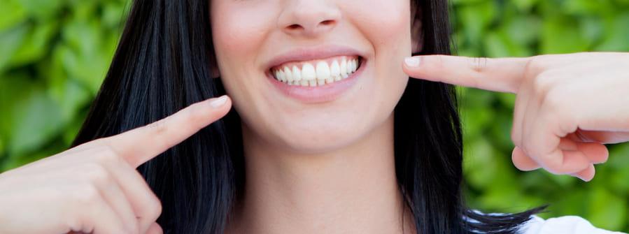 Zestaw do wybielenia zębów Whitify. Czy wybielanie zębów może być takie łatwe? Zobacz opis i opinie.